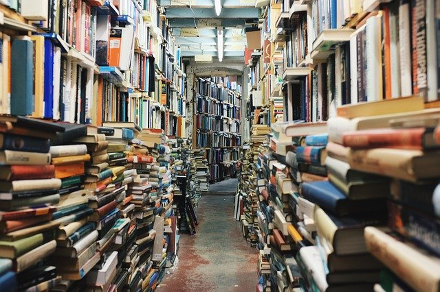 Skup książek - czy ma sens w dobie ebooków?